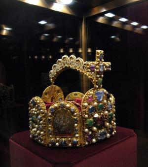 Couronne du Saint Empire Romain Germanique. Crédits photo : Kwong Yee Cheng (Flickr)